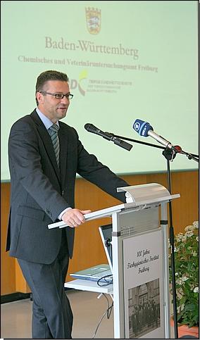 """Minister Hauk beim Festakt """"100 Jahre Tierhygiene in Freiburg"""""""