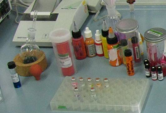 Quelle CVUA KA: Untersuchung von Laborfarben