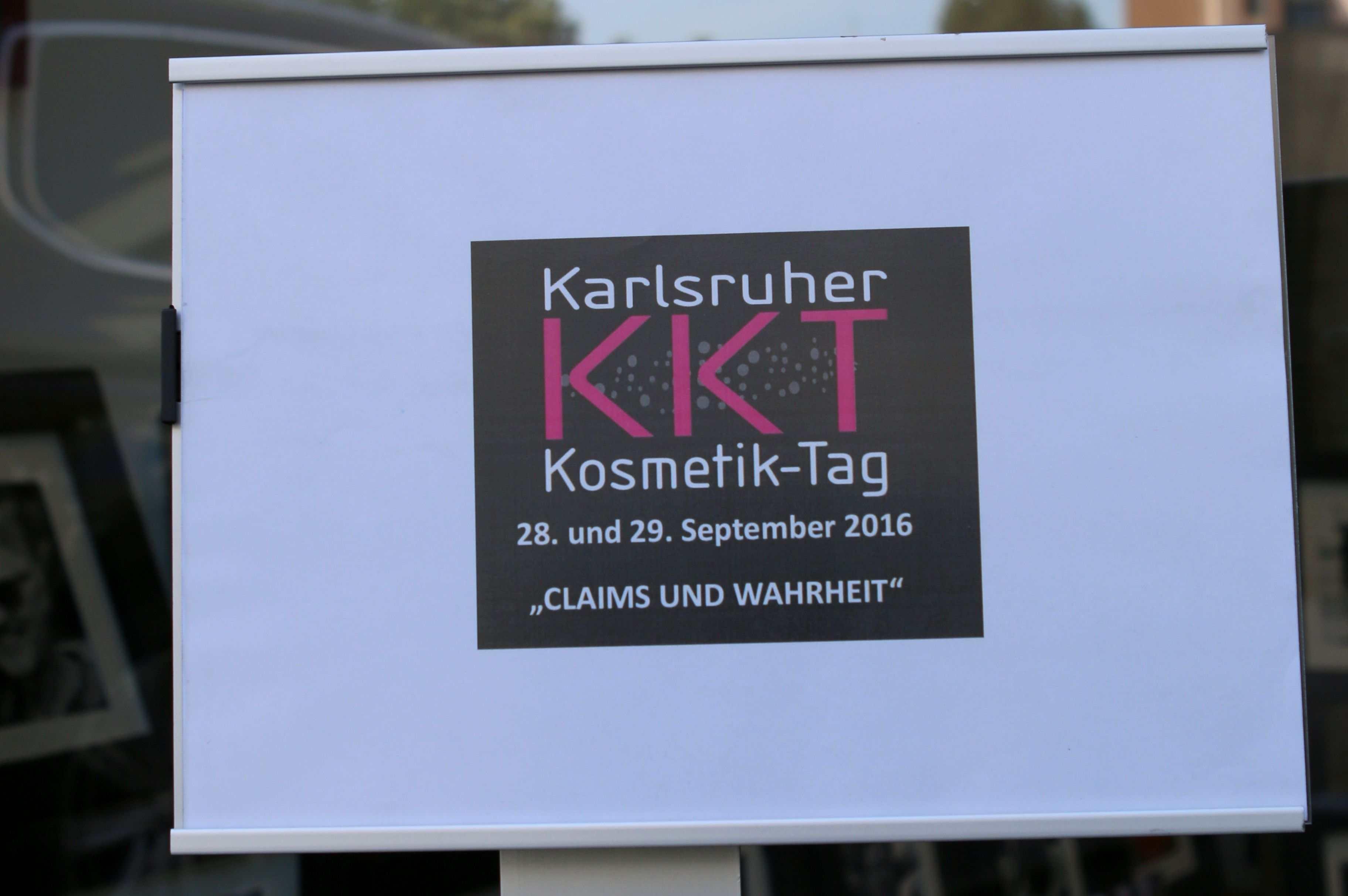 """Emblem des Karlsruher Kosmetik Tages 2016, """"Claims und Wahrheit""""."""